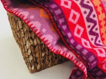 """Дизайнерское шерстяное одеяло """"Орнамент красный"""""""