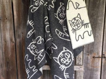 """Дизайнерское одеяло шерстяное """"Кот на крыше"""""""